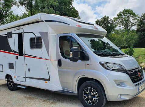 camping-car  BURSTNER LYSEO TD 680G  extérieur / latéral droit